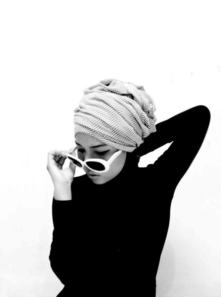 #hijab #turban #fashion #vintage #outfit #sunglasses #monocrome #black