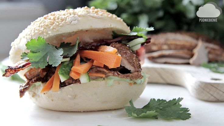 Przepis na orientalną kanapkę sezamową już na www.podniebienie.com, zapraszam! 🥒🥕🥓 #sezam #orientalnakanapka #PodNiebienie #sesam #boczek #becon #kolendra #cilantro #asiansandwich