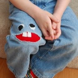 Holey jeans? No problem!  Turn them into a fashion statement with this DIY Monster Patch. Quick, easy, and fun for all ages! Dude, I want to do that right now!