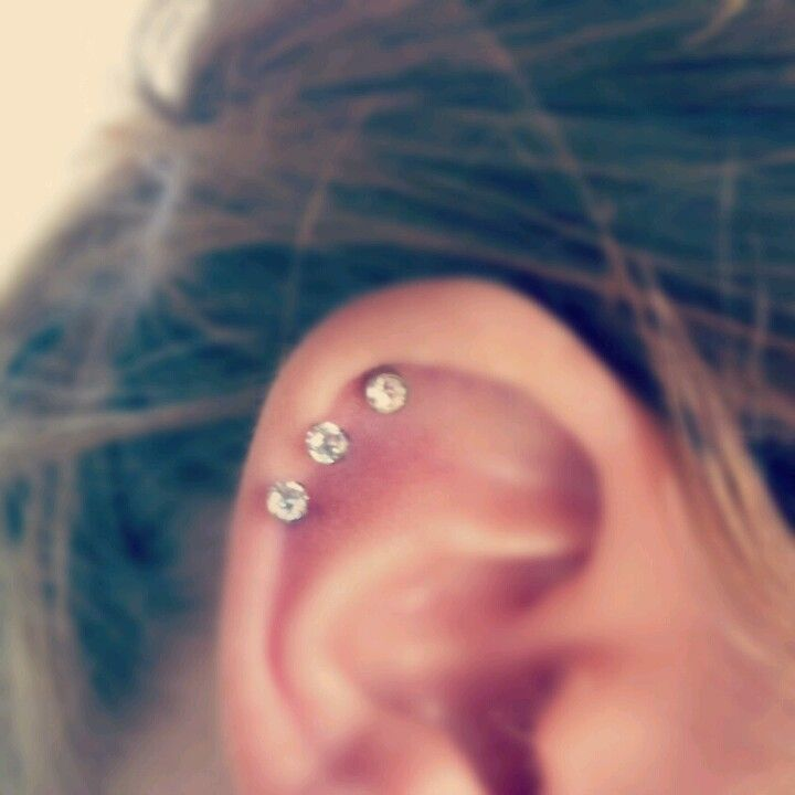 Thinking about getting my cartilage pierced and maybe start wearing earrings again but I would only get one not three