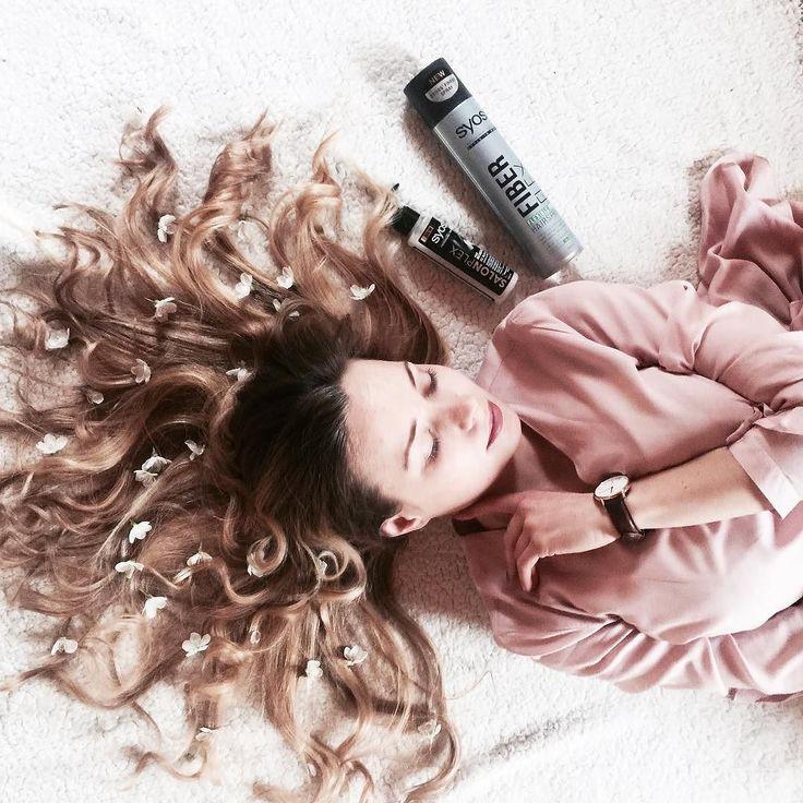 Kochani! Kilka dni temu miałam okazję zostać ambasadorką Akcja Syoss - SALONPLEX z czego niesamowicie się cieszę! Na codzień dbam o włosy i staram się aby zawsze wyglądały pięknie! Dlatego produkty #salonplex zostały stworzone z myślą o kobietach które chciałyby aby ich włosy wyglądały zdrowo i świeżo każdego dnia  Linia SalonPlex jest przeznaczona do włosów znoszczonych przez zabiegi chemiczne i uszkodzenia mechaniczne. Dzieki odbudowującym szamponie i serum włosy mimo codziennego uzywania…