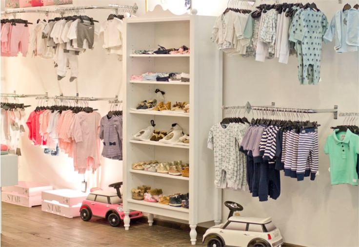 Nieuw in ons assortiment; Kleding van maat 44 t/m maat 86. Merken zoals; Z8, Beebielove, Vingino, Noppies en nog veel meer. De kleding is voorlopig alleen nog te vinden in de winkel 't Zandmenke op de Jodenstraat 14 in Venlo.