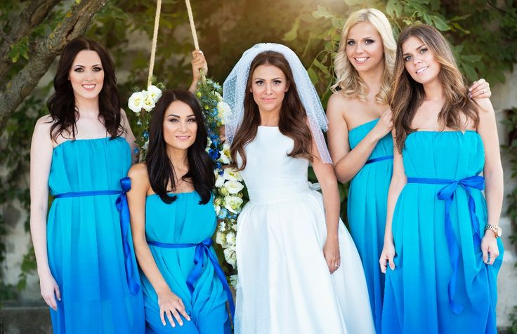 #bridesmaid #blue #dress #flowers #wedding #classic #weddingdress #vivien #vivienborzi #traditional #bridal #bestfriends #realwedding #hungariangirls #love #beautiful