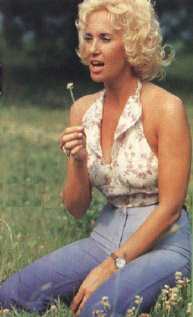 Tammy Wynette  Tremont, MS  Country music singer-songwriter and one of the biggest-selling woman singers in Country music.