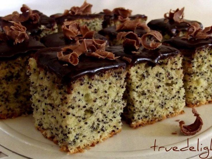 Prajitura cu mac si glazura de ciocolata - Culinar.ro