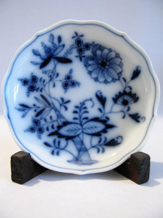 Vintage Meissen Blue Onion Dish by Sfuso on Etsy, $25.00