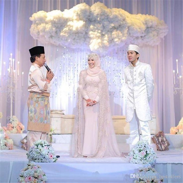 Vestidos de casamento muçulmanos árabes lindos 2016 Vestidos de noiva de decote em torno do pescoço longo mangas Vestidos de noiva rosa com envoltórios