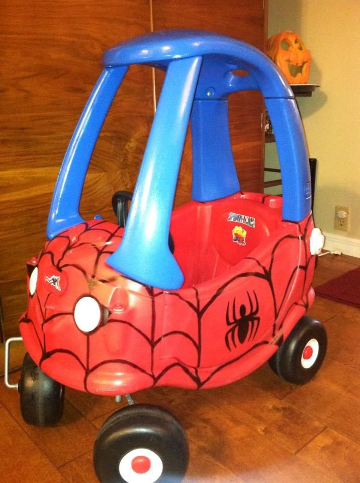 Creativity runs in the family here! The cutest Spiderman ever will be rolling around in this awesome Spiderman car this halloween thanks to his super creative grandma :)