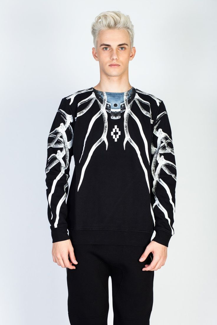SHOP online now this #MarceloBurlon sweater and all your favourite brands in our #eshop, sale now up to 50%! #hionidismankind #mensfashion #menstyle #luxuryfashion