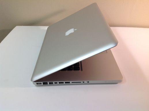 Macbook Pro 15''_Late 2011_Max Optione_MD385