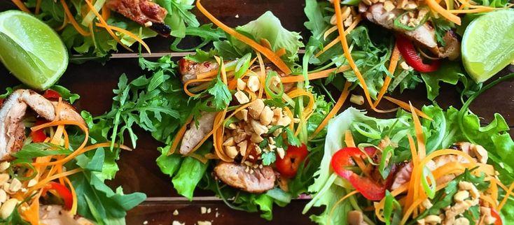 Šalátové wrapy s marinovaným kuracím mäsom Keď sa večer vrátiš domov. Možno čakáš návštevu. Alebo si len unavený a nechce sa ti rozmýšlať. #recept #kura #šalát http://varme.dennikn.sk/recipe/salatove-wrapy-s-marinovanym-kuracim-masom/