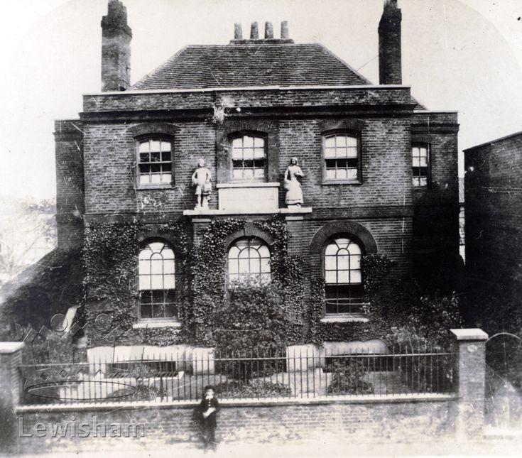 Old Bluecoat School (Dean Stanhope), Deptford High St