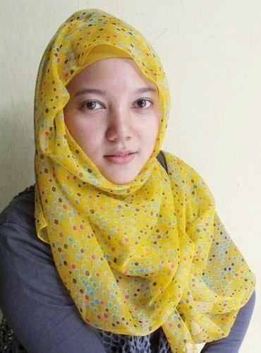 Hijab   Polka Shawl in Yellow   www.jiilaanhijabs.com