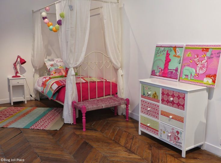 Id e d co chambre enfant fille ado 10 11 12 13 14 15 16 ans style boh me chic lit chevet commode for Decoration chambre fille 5 ans
