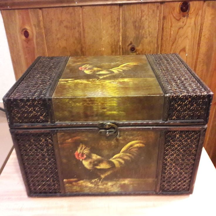 Tracy Porter original VINTAGE Wicker Covered Wooden Rooster Box From Estate Sale