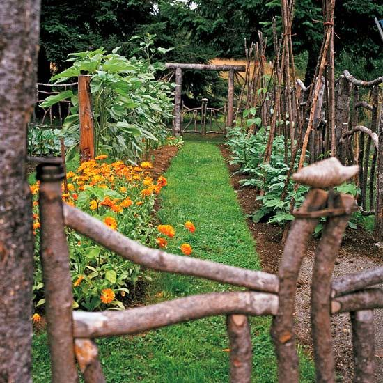 Gates and fences made from the limbs of fallen trees. It's funky, architecturally interesting, and practical!Fallen Trees, Gardens Ideas, Gardens Fence, Rustic Gardens, Gardens Paths, Vegetables Gardens, Gardens Gates, Branches, Gardens Tours