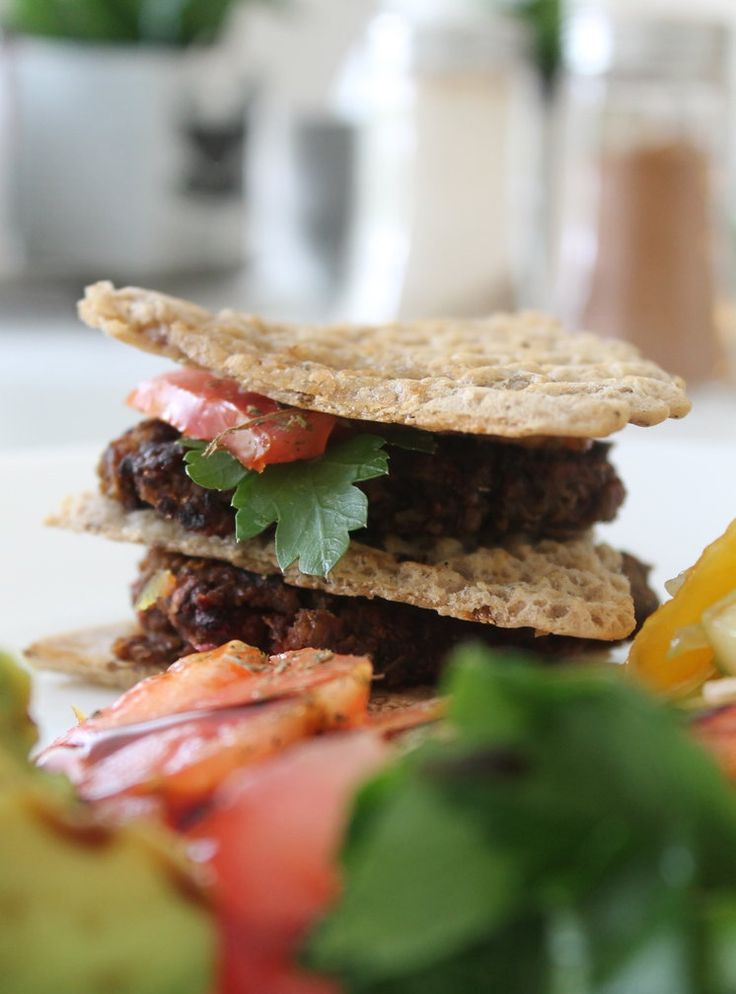 Garden veggie burgers – The Chick on a Pea