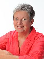 Karin Gutbrodt wurde 1951 geboren und hat 2 Töchter und 2 Enkelsöhne. Den ersten Kontakt mit der Krankheit Krebs hatte sie schon als Kind, da fast alle Ihrer engsten Familienmitglieder daran litten und starben.  Jedoch war die schwere Krebserkrankung ihrer Mutter eines der einschneidensten Erlebnisse in ihrem Leben. Damals hat sie verzweifelt, ...