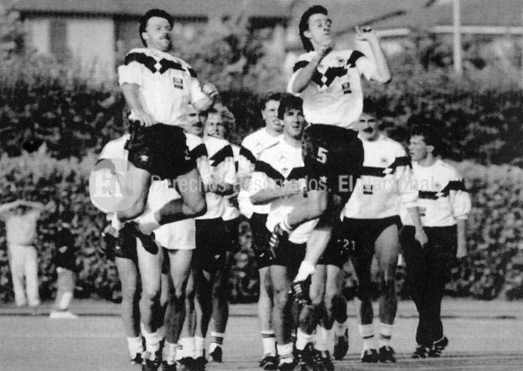 Entrenamiento del seleccionado alemán durante el Mundial de Fútbol Italia 1990. (AP / ARCHIVO EL NACIONAL)