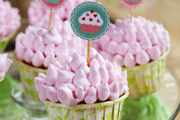 18 Kue Pengantin dan Cupcake Ini Punya Desain yang Cantik