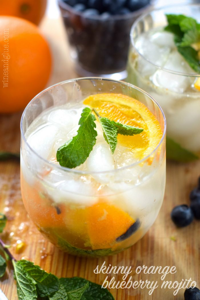 This Skinny Orange Blueberry Mojito is such a perfect and refreshing drink!