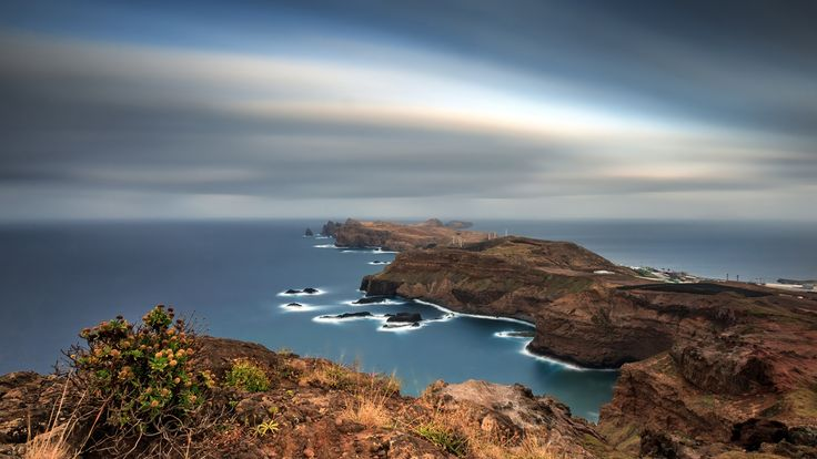 Скачать обои автономный регион, Португалия, архипелаг, выдержка, скалы, океан, небо, острова, Мадейра, раздел пейзажи в разрешении 1920x1080