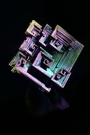 最も美しい結晶の一つ『ビスマス鉱石』が家で作れる! - NAVER まとめ