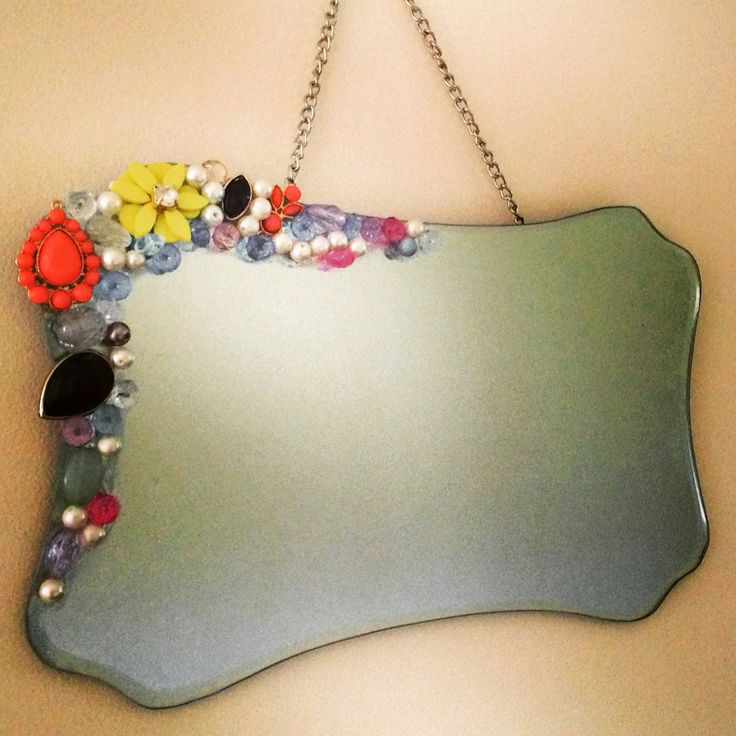 Vintage style mirror with jewels