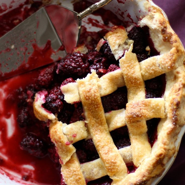 Blackberry Pie- an adapted (delicious!) recipe from Four & Twenty Blackbird's (bakery in Brooklyn, NY) Pie Book. Get a bunch of blackberries because this pie is a weekend must // Gluten Free, Dairy Free, And Vegan Optional (without egg wash) ~ From Jessica's Kitchen