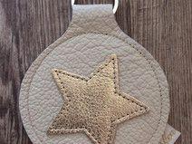 Schlüsselanhänger crème mit goldenem Stern