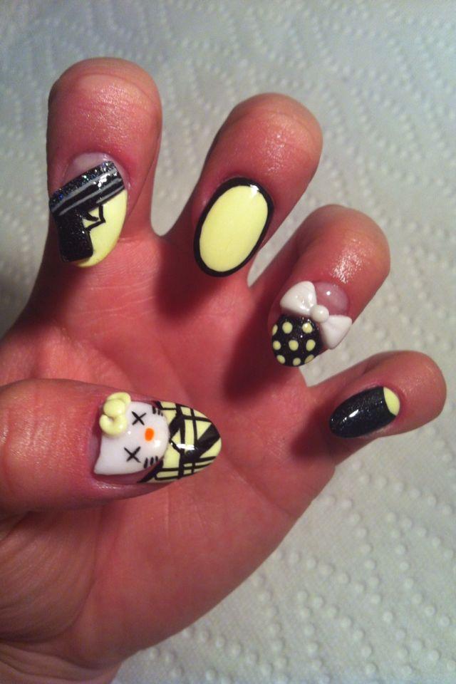 black and yellow  3d nail art3D Nails Art, Fierce Nails, Art Design, Nails Polish, Makeup Nails Hair, Makeup Hair Nails Accessories, Hello Kitty, Nail Art, Nails 3