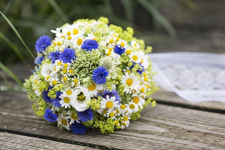 brautstrauss blau weiss weddingbouquet weddingplanner. Black Bedroom Furniture Sets. Home Design Ideas