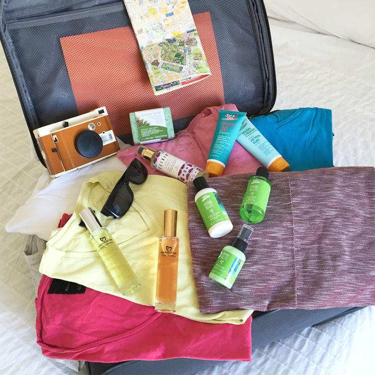 Si estás planeando un #viaje... ¡No te olvides de lo imprescindible! ¿Qué no podría faltar en tu neceser?  Nosotros siempre viajamos con nuestros travel kit. ¿Y tú? ¡No pierdas tu esencia estas vacaciones! :)  #Equivalenza #Perfume #Cosmética #Aroma #Maleta #Viaje #Vacaciones