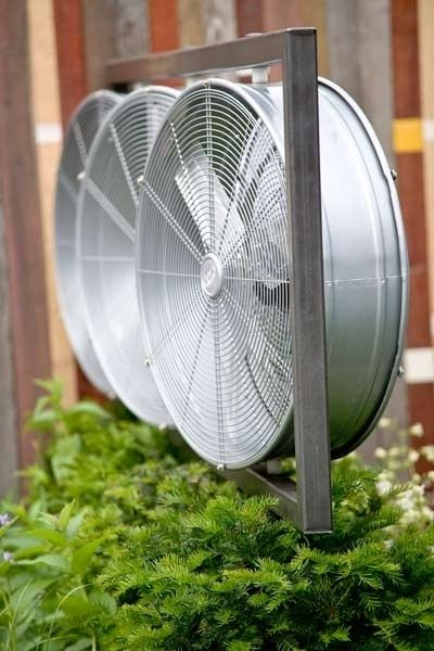 Consider high-velocity blower fans for scorcher wedding days. | 32 Totally Ingenious Ideas For An Outdoor Wedding