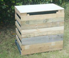 Composteur de jardin, réalisé à partir de 2 palettes et de quelques lattes de bois !