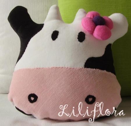 vaca aurora almohadon infantil towel,vellon siliconado, costuras a maquina,costuras a mano