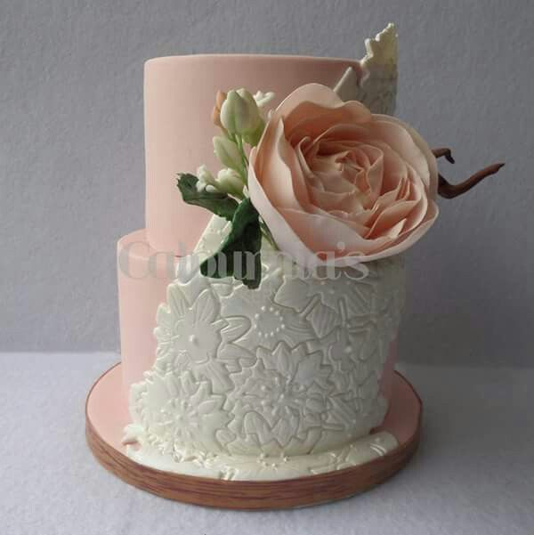 Wedding cake pink and pearl white
