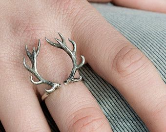 ► This beautifully and elegant Deer Antler Ring has been cast in solid sterling silver. The horns has been lovely carved inspired by the spirit of a deer antler. The deer antler has a hand burnished oxidized finish to enhance the details of the original horns. The deer antler measures 7/8 (22mm) long and wide. It can be adjusted in sizes from 5 to 8  ► All our pieces are packed in Gift Boxes. The perfect gift to yourself or the ones you Love!  ♥ Love it and want to buy later? Click on the…