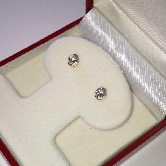 Jewelry - 18K  1/2CT Diamond Semi Bezel Screw Backs Earrings