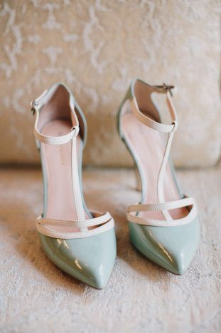 Something blue Wedding Shoes | Cool Spring Wedding in Chicago | Megan Saul Photography | Bridal Musings Wedding Blog
