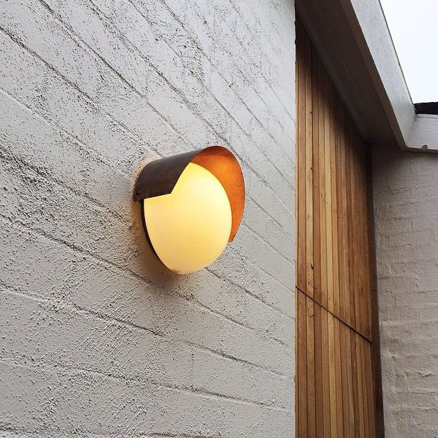 Entry wall light is in at our Malvern Residence. Love this gorgeous #copper…