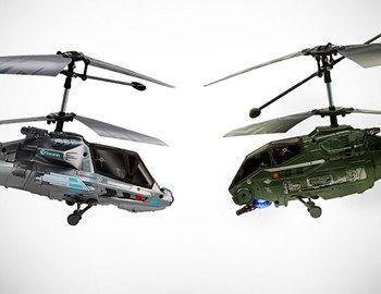 Τα δύο τηλεκατευθυνόμενα ελικόπτερα Swann Sky Duel είναι ειδικά σχεδιασμένα για αερομαχίες και μπορούν να κάνουν όλες τις απαραίτητες κινήσεις και μανούβρες για διασκεδαστικό παιχνίδι. Διαθέτουν επαναφορτιζόμενη μπαταρία διάρκειας 8 λεπτών πτήσης και 60 λεπτών