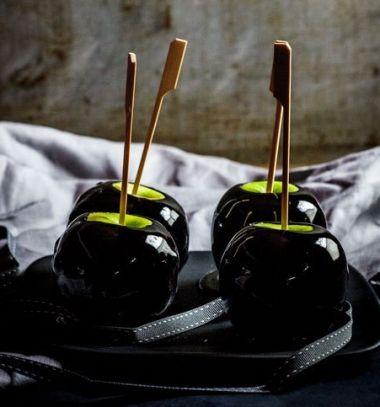 Poison toffee apples for Halloween // Mérgezett almák - különleges karamellizált almák Halloweenra // Mindy - craft tutorial collection
