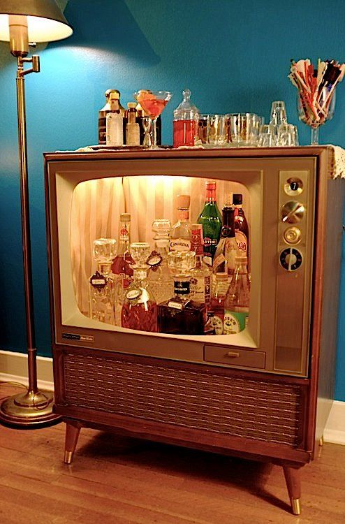 vintage television mini bar... my god I love this: Decor, Ideas, Mini Bar, Man Cave, Bar Cart, Old Tv, Tvs, Diy