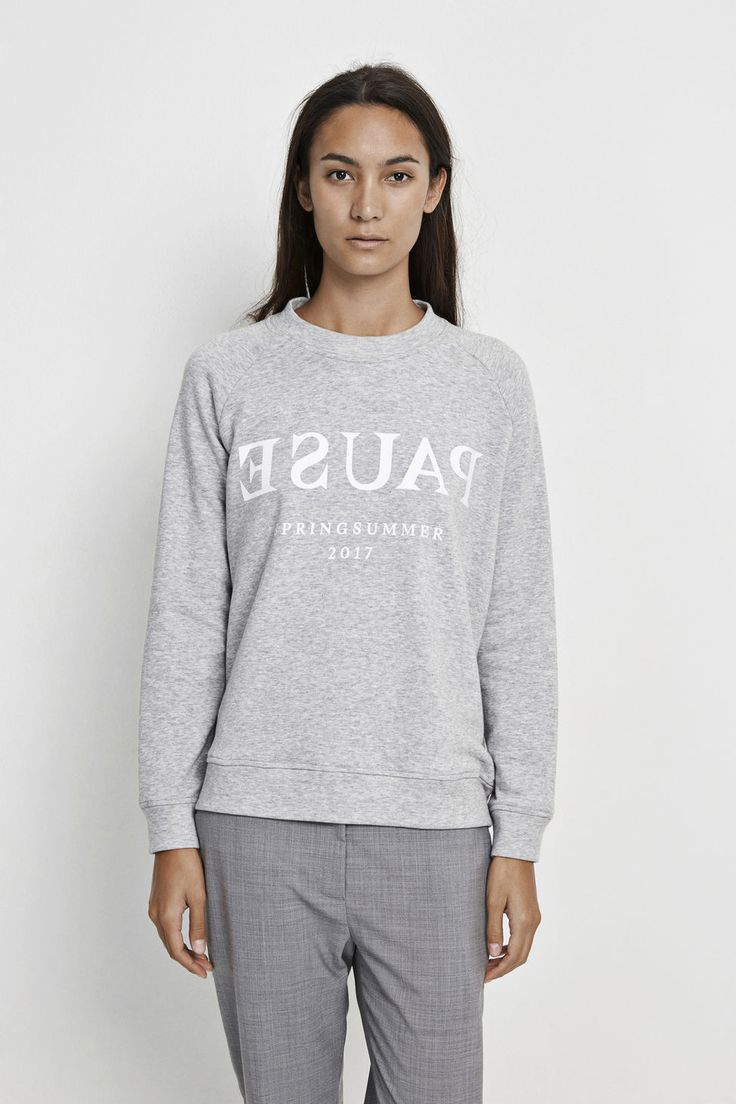 On our statement sweatshirt we have printed our motto for Spring and Summer. Raglan sleeves and rib trims give sporty styling to this stylish, slogan printed sweatshirt. Center back length is 62cm on size small.