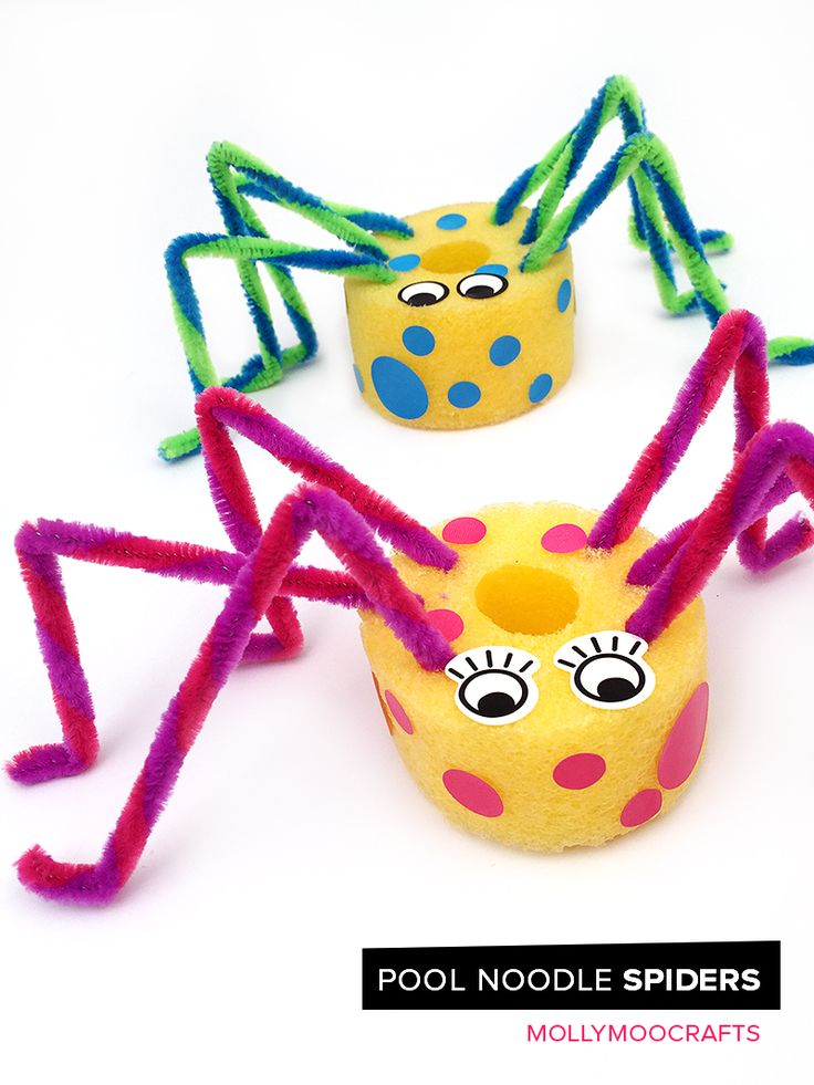 Pool Noodle Spiders - 5 minute fun craft for kids. No gluing, no paint, no mess. This would make for a great summer craft for the backyard or at camp! // MollyMooCrafts.com