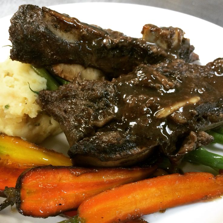Braised beef shortrib, garlic mash, roasted heirloom carrots at The Smokery Kitchen & Bar #thesmokerystouffville @thesmokery.ca