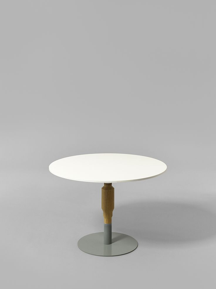 Minus tio - Cosmos 530mm wood pedestal table in clear lacquered oak with 800mm diameter table top and grey base