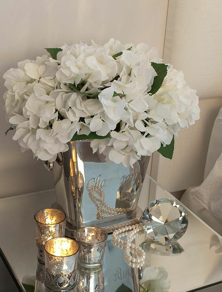 Hydrangea in a Champagne cooler | RTfact | Artificial Silk Flowers
