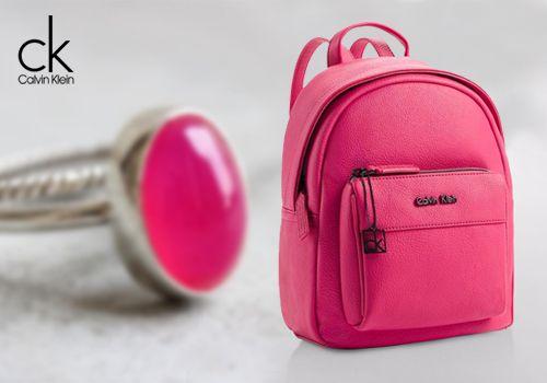 Το νέο σακίδιο πλάτης με την υπογραφή Calvin Klein σε φούξια χρώμα! Μόνο 69,00€